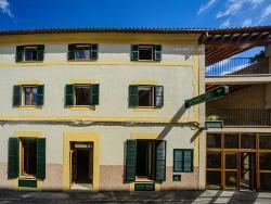 Embat Hostel